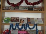 """На абонементі районної бібліотеки оформлено виставку – пораду """"Новий рік на поріг"""""""