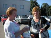 Працівники Бершадської центральної районної бібліотеки збирають кошти для військових у зоні АТО.  Дякуємо за небайдужість.