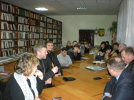 У читальній залі районної бібліотеки до Дня благодійництва, яке в Україні відзначають 13 грудня, відбулася зустріч з волонтерами та підприємцями району, які надають допомогу учасникам АТО та їх сім'ям....