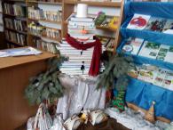 """Виставка – інсталяція """"В новім щасті, в новій силі з Новим роком, друзі милі!"""" Бершадська центральна районна бібліотека для читачів розгорнула виставку інсталяцію і вітає всіх з Новорічно – різдвяними..."""